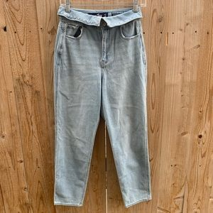NWT Hollister Ultra High-Rise Foldover Mom Jeans